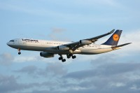 D-AIGY_A340-311_ORD_11Aug12_ChrisJake