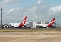 Qantas_A380s_LHR_17Oct12_EdJones
