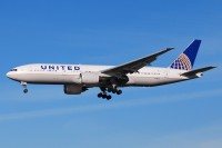A United Airlines 777 lands at O'Hare in December 2012.  Photo:  Dave Reed - OPShots Contributor