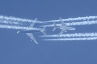 G-CIVJ_747-MD10_Contrails_11March12_CSlusarczykJr