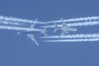 G-CIVJ_747-MD10_Contrails_11March12_CSlusarczykJr